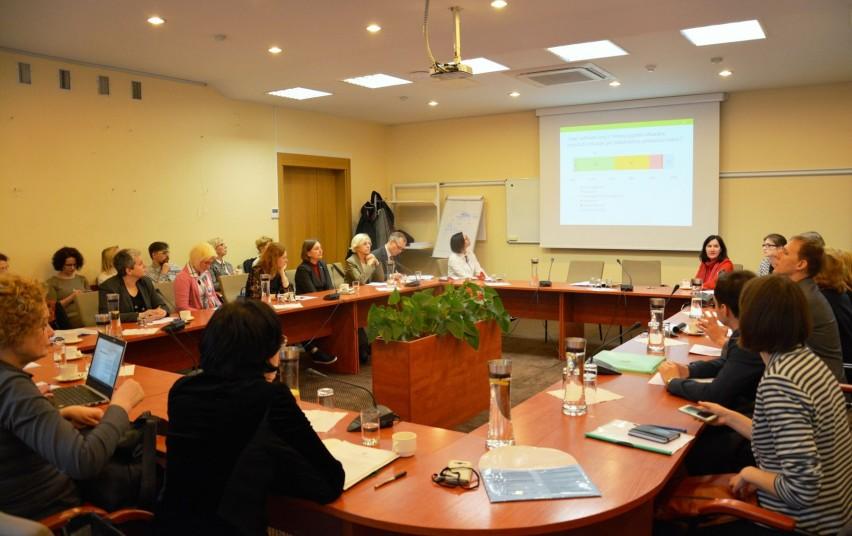 Sociologinio tyrimo rezultatai atskleidžia moterų ir vyrų padėtį Lietuvoje