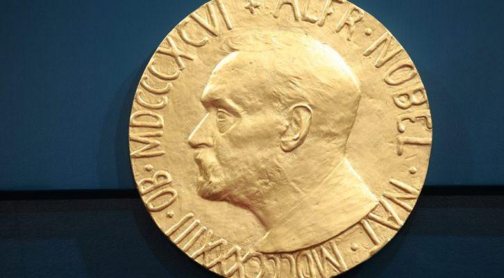Moterys nevertos Nobelio?