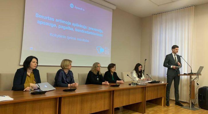 Pristatytas kokybinis tyrimas Smurtas artimoje aplinkoje: prevencija, apsauga, pagalba bendradarbiavimas